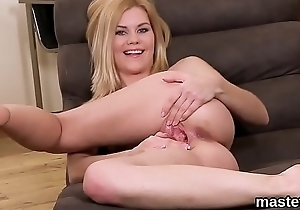 Sexy czech kitten stretches her pink quim to the special
