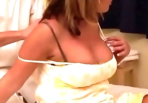 Married Comme ci get'_s tricked into fucking while getting Massage
