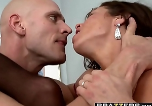 Brazzers - Milfs Like it Big -  Mistress P.I. scene starring Veronica Avluv and Johnny Sins