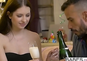 Babes - Elegant Anal - New Years Resolution  starring  Rebecca Volpetti and Vinny Star shore up steady