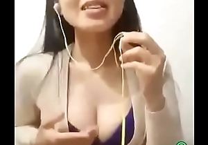 Titty Flashing On SMULE!