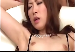 Rina Koda amazing group sex video show on the couch - From JAVz.se